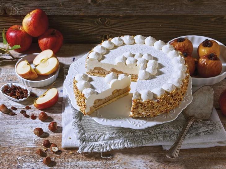 Slagroomtaart gebakken appel-marsepein