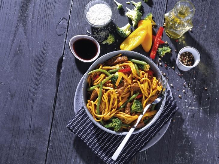 Asia-rundvleespan Chow Mein