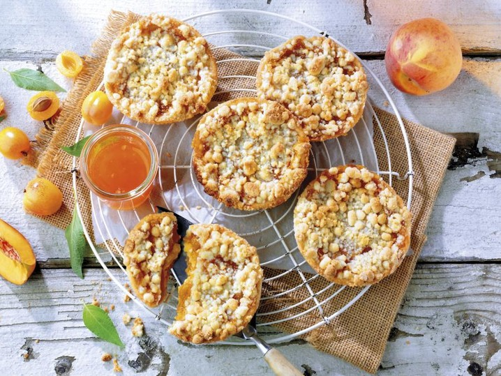 Abrikozen-perzik kruimelgebak